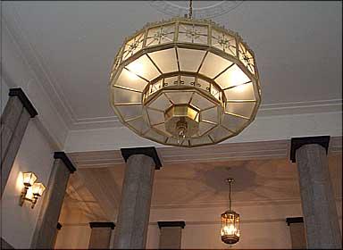 法務省照明