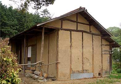 土塀の建物