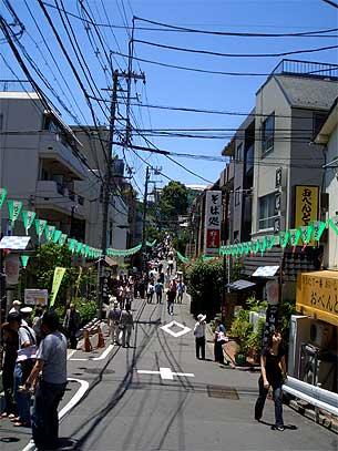 白山神社への道